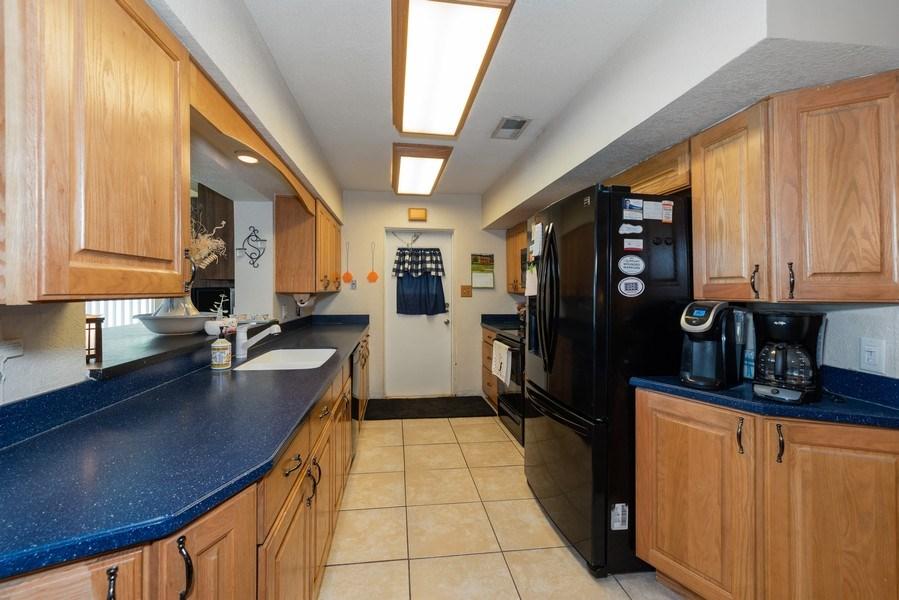 Real Estate Photography - 6022 Linneal Beach Dr., Apopka, FL, 32703 - Kitchen
