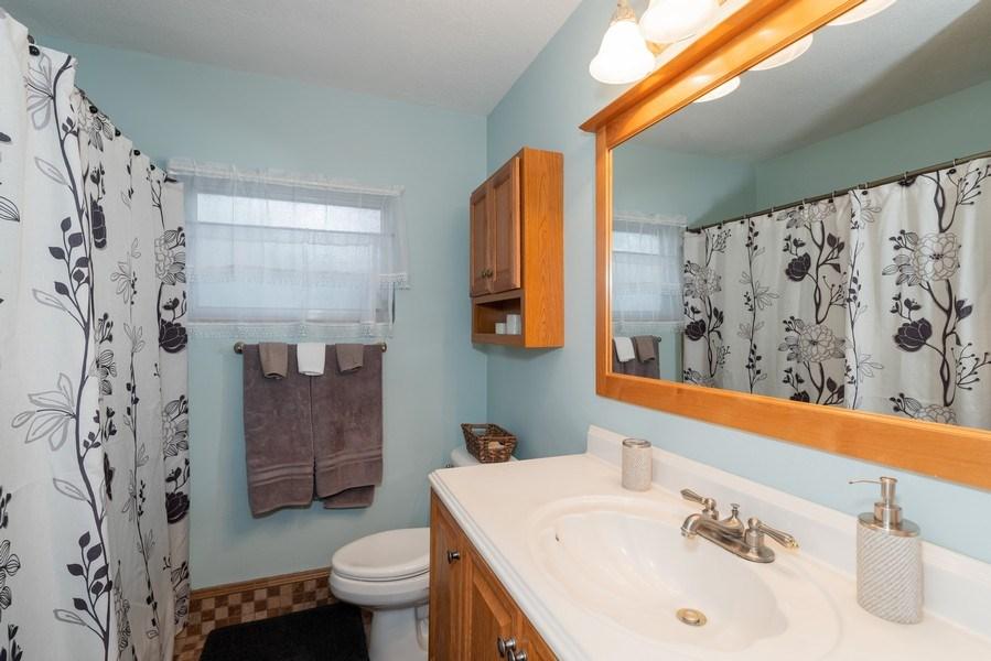Real Estate Photography - 6022 Linneal Beach Dr., Apopka, FL, 32703 - Bathroom