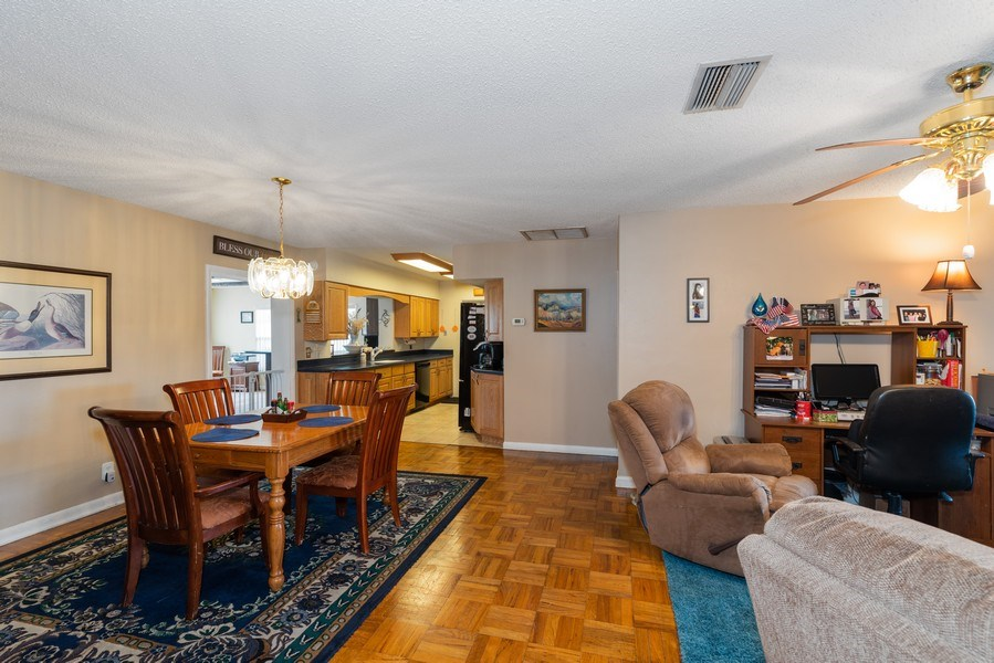 Real Estate Photography - 6022 Linneal Beach Dr., Apopka, FL, 32703 - Kitchen / Dining Room
