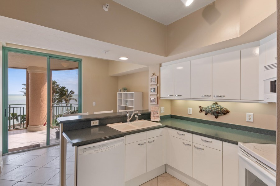 Real Estate Photography - 980 Cape Marco Dr, 407, Marco Island, FL, 34145 - Kitchen