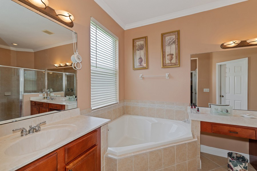 Real Estate Photography - 145 Doe Run Dr, Winter Garden, FL, 34787 - Master Bathroom