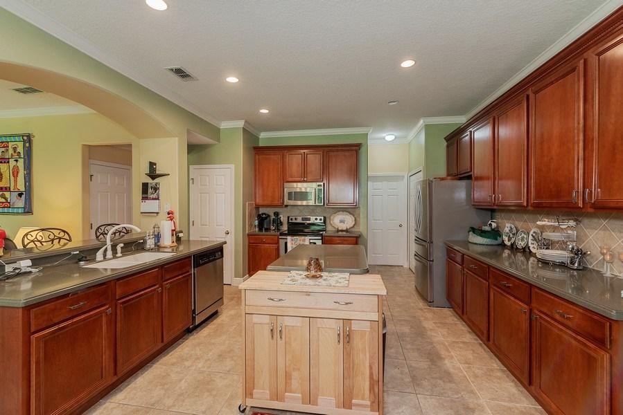Real Estate Photography - 145 Doe Run Dr, Winter Garden, FL, 34787 - Kitchen
