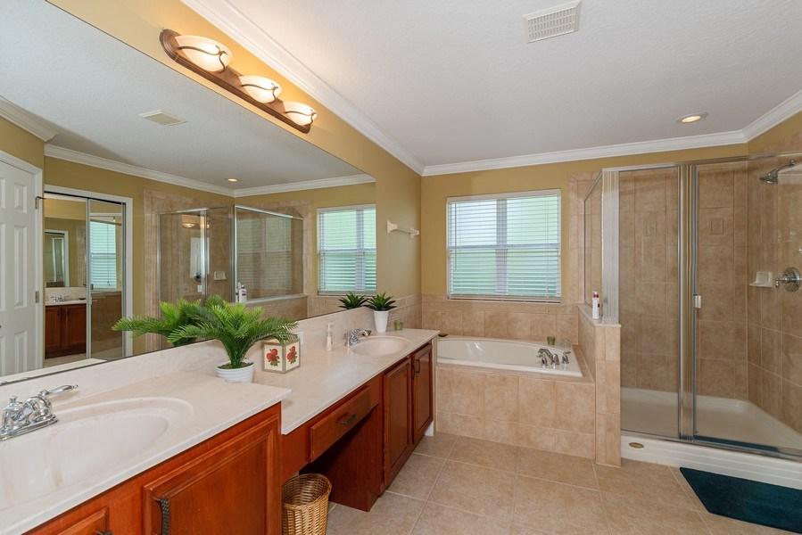 Real Estate Photography - 145 Doe Run Dr, Winter Garden, FL, 34787 - Bathroom