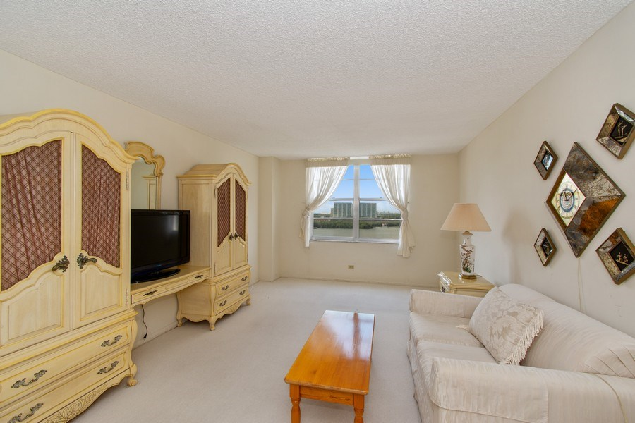 Real Estate Photography - 301 174th St., #1412, Sunny Isles Beach, FL, 33160 - Master Bedroom