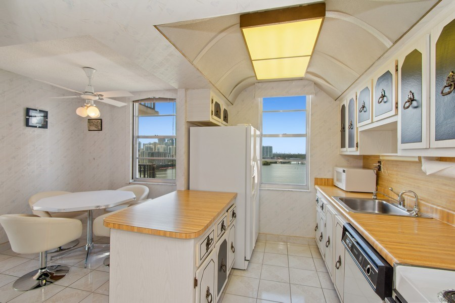 Real Estate Photography - 301 174th St., #1412, Sunny Isles Beach, FL, 33160 - Kitchen