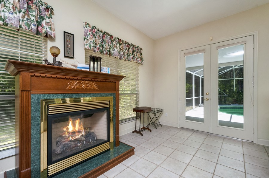 Real Estate Photography - 7325 SW 97TH LN, GAINESVILLE, FL, 32608 - Patio