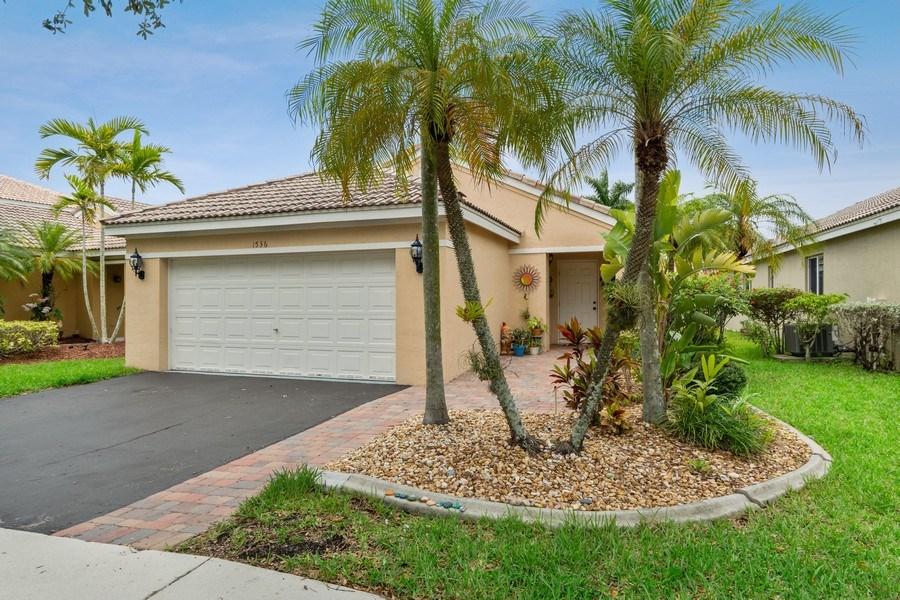 Real Estate Photography - 1536 Salerno Cir, Weston, FL, 33327 - Front View