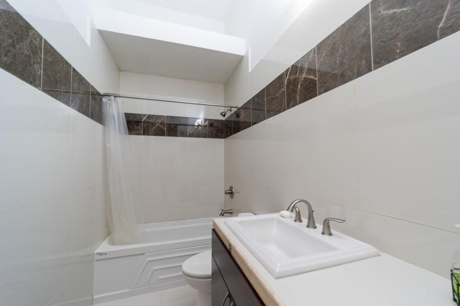 Real Estate Photography - 26052 Splendid Meadow Ct., Astatula, FL, 34705 - Bathroom 3
