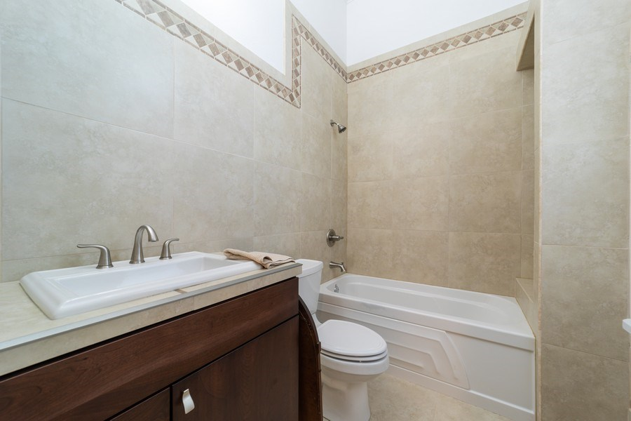 Real Estate Photography - 26052 Splendid Meadow Ct., Astatula, FL, 34705 - Bathroom 4
