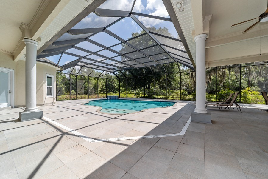 Real Estate Photography - 26052 Splendid Meadow Ct., Astatula, FL, 34705 - Pool
