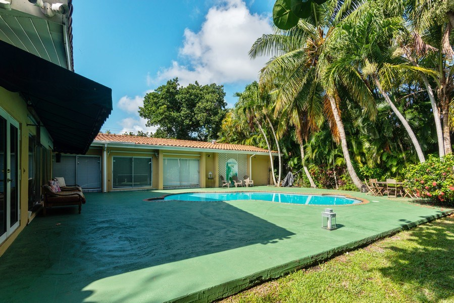 Real Estate Photography - 3920 Monserrate Street, Coral Gables, FL, 33134 - Back Yard