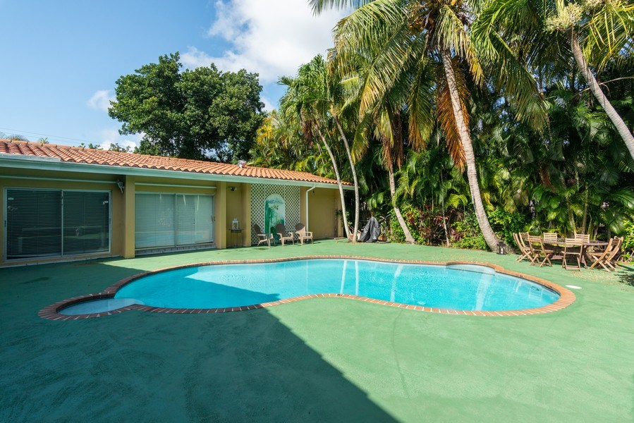 Real Estate Photography - 3920 Monserrate Street, Coral Gables, FL, 33134 - Pool