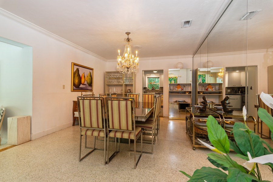 Real Estate Photography - 3920 Monserrate Street, Coral Gables, FL, 33134 - Kitchen / Dining Room