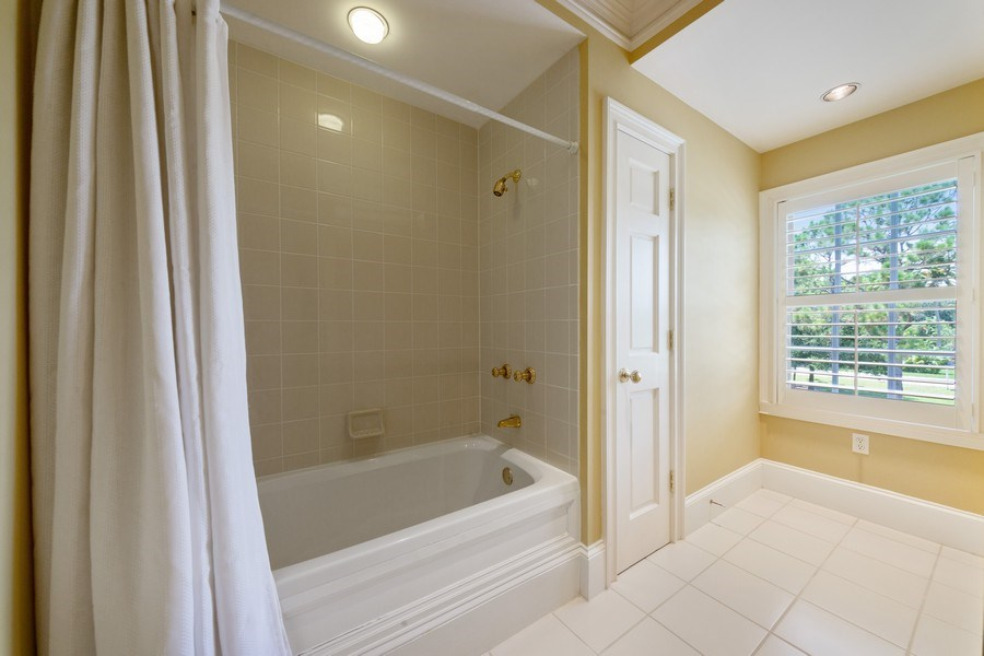 Real Estate Photography - 13361 Ponderosa Way, Fort Myers, FL, 33907 - 2nd Bathroom