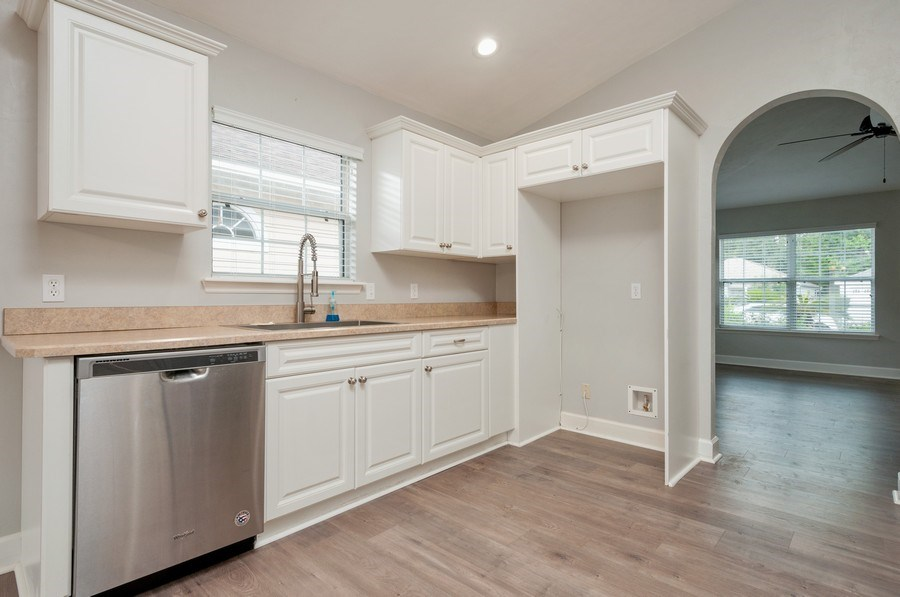 Real Estate Photography - 11737 NW 61 Terrace, Alachua, FL, 32615 - Kitchen