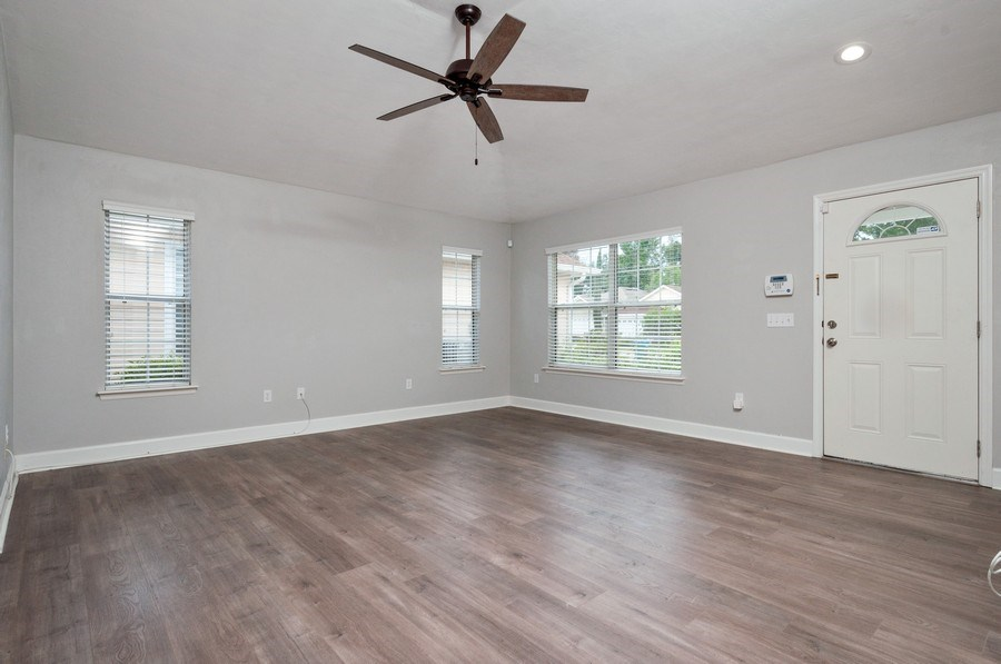 Real Estate Photography - 11737 NW 61 Terrace, Alachua, FL, 32615 - Family Room