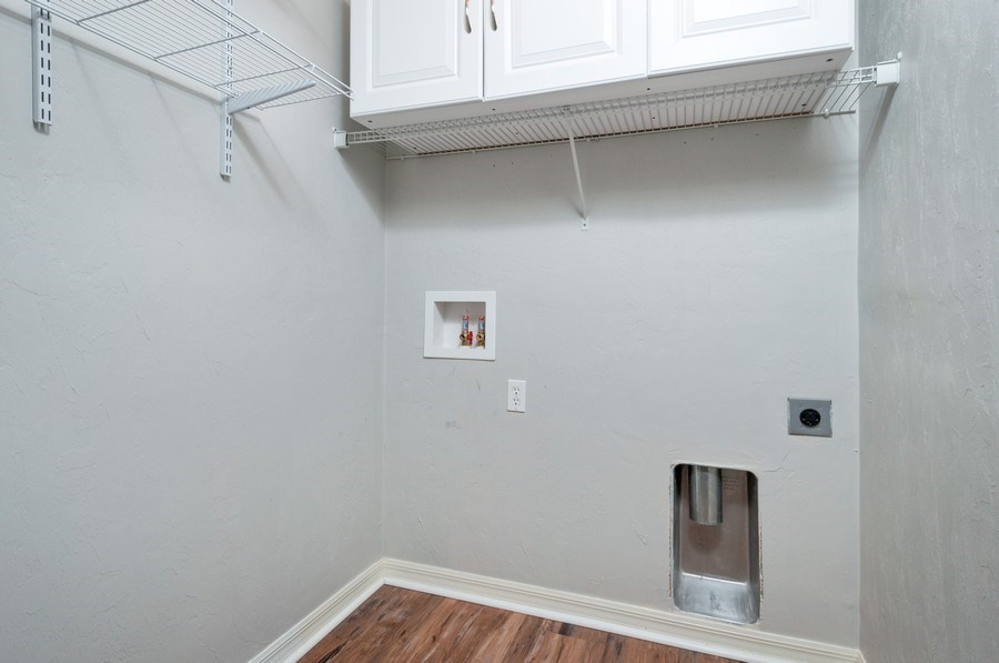 Real Estate Photography - 11737 NW 61 Terrace, Alachua, FL, 32615 - Laundry Room