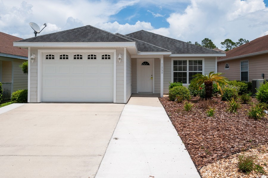 Real Estate Photography - 11737 NW 61 Terrace, Alachua, FL, 32615 - Front View