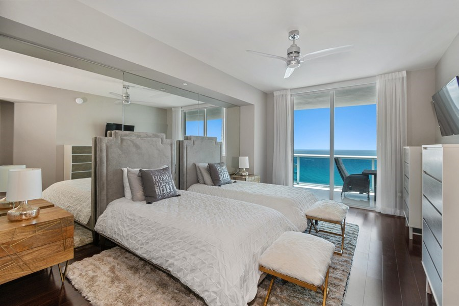 Real Estate Photography - 2711 S. Ocean Drive #1902, Hollywood, FL, 33019 - 2nd Bedroom