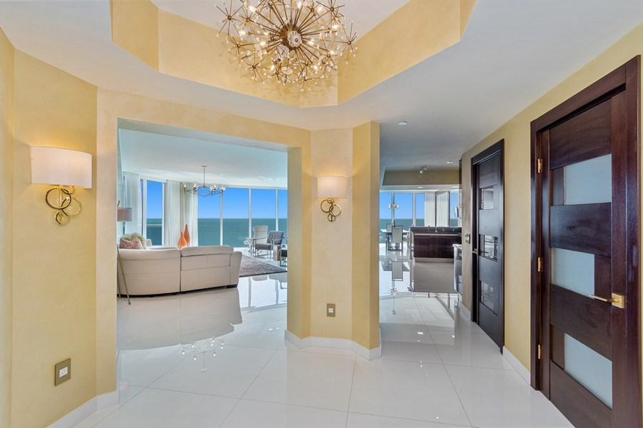 Real Estate Photography - 2711 S. Ocean Drive #1902, Hollywood, FL, 33019 - Foyer