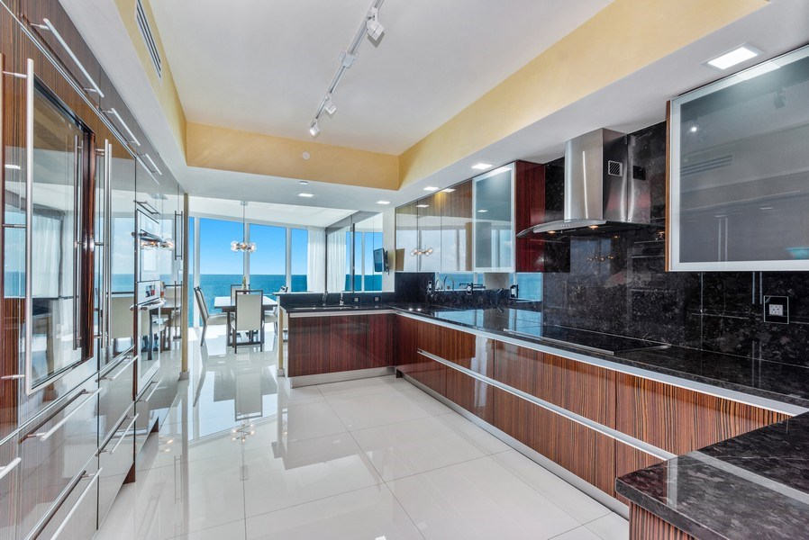 Real Estate Photography - 2711 S. Ocean Drive #1902, Hollywood, FL, 33019 - Kitchen