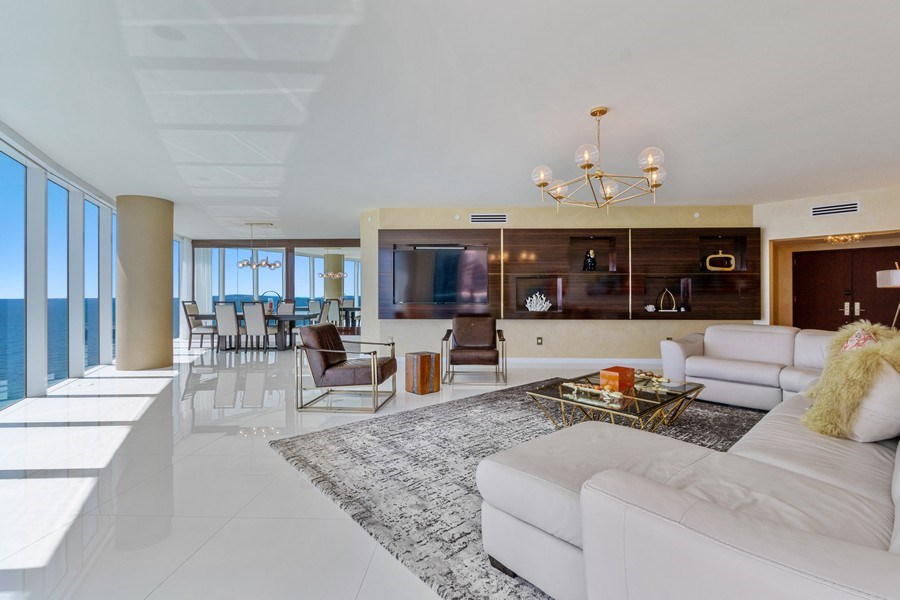 Real Estate Photography - 2711 S. Ocean Drive #1902, Hollywood, FL, 33019 - Living Room / Dining Room