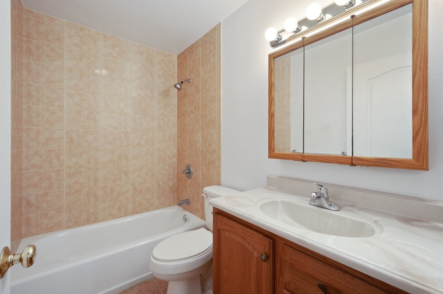 Real Estate Photography - 115 SE 6th Street, Micanopy, FL, 32667 - Master Bathroom