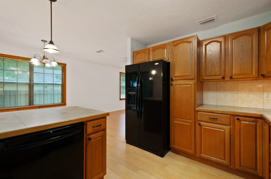 Real Estate Photography - 115 SE 6th Street, Micanopy, FL, 32667 - Kitchen