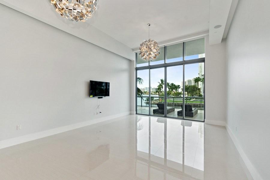 Real Estate Photography - 3250 NE 188th St. #L107, Aventura, FL, 33180 - Living Room