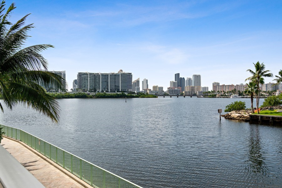 Real Estate Photography - 3250 NE 188th St. #L107, Aventura, FL, 33180 - View