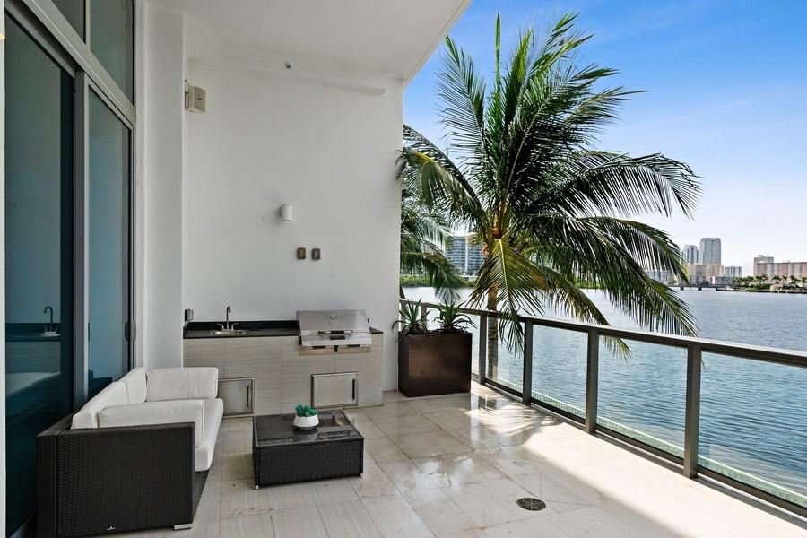 Real Estate Photography - 3250 NE 188th St. #L107, Aventura, FL, 33180 -