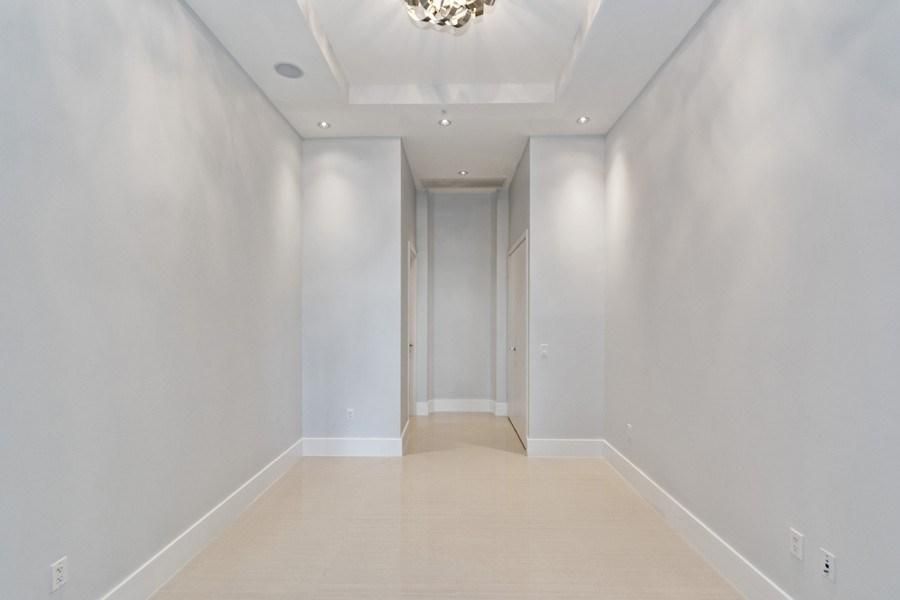 Real Estate Photography - 3250 NE 188th St. #L107, Aventura, FL, 33180 - Family Room