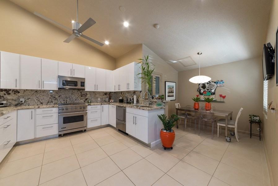 Real Estate Photography - 7425 Campo Florido, Boca Raton, FL, 33433 - Kitchen / Breakfast Room