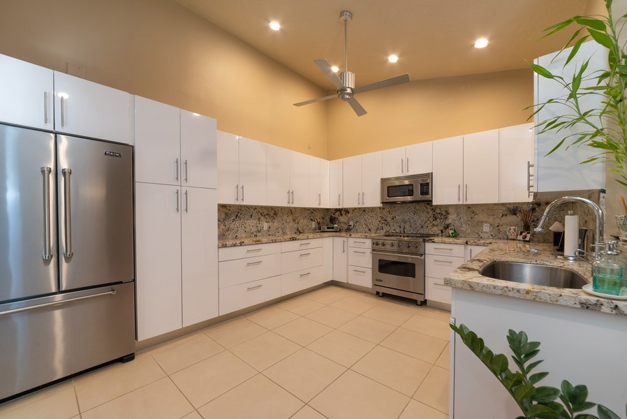 Real Estate Photography - 7425 Campo Florido, Boca Raton, FL, 33433 - Kitchen