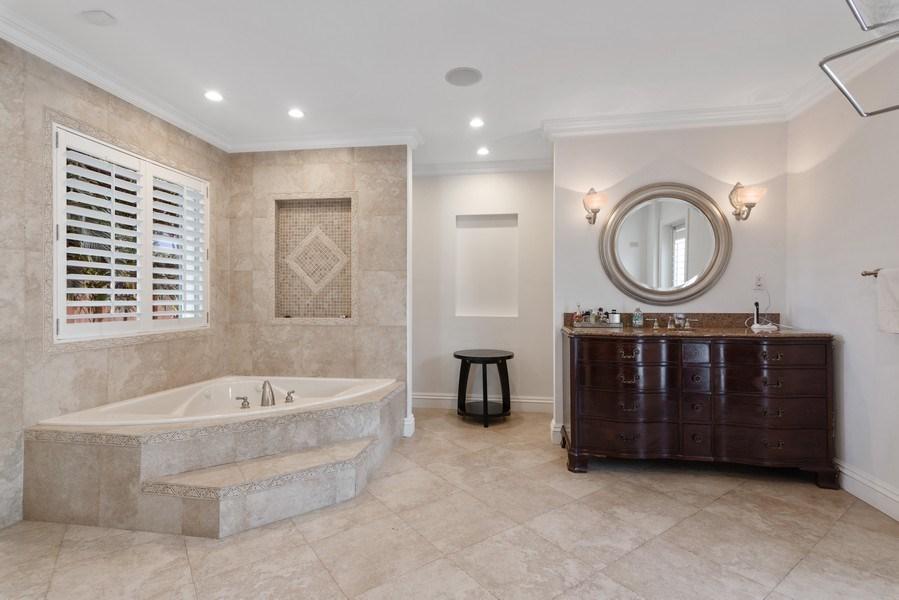 Real Estate Photography - 7670 SW 129th St., Pinecrest, FL, 33156 - Master Bathroom