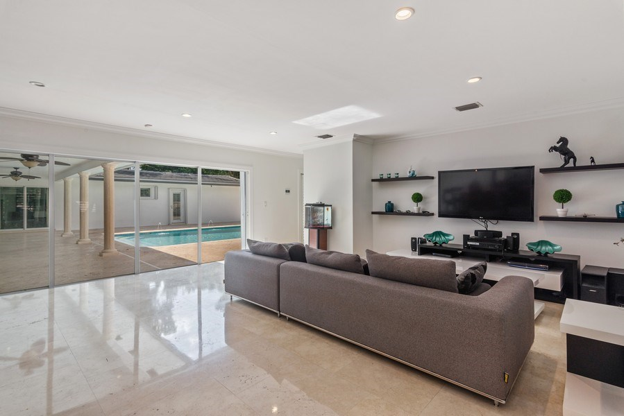 Real Estate Photography - 7670 SW 129th St., Pinecrest, FL, 33156 - Family Room