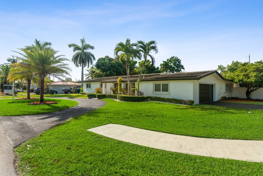 Real Estate Photography - 7670 SW 129th St., Pinecrest, FL, 33156 - Garage