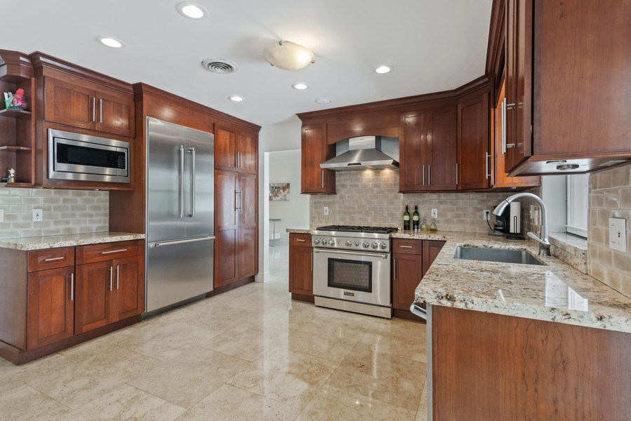 Real Estate Photography - 7670 SW 129th St., Pinecrest, FL, 33156 - Kitchen