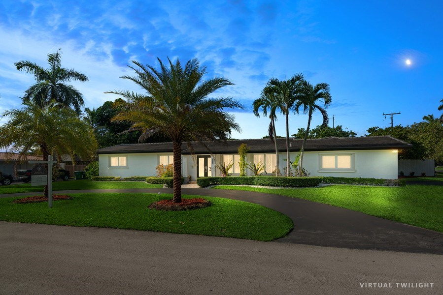 Real Estate Photography - 7670 SW 129th St., Pinecrest, FL, 33156 - Front View