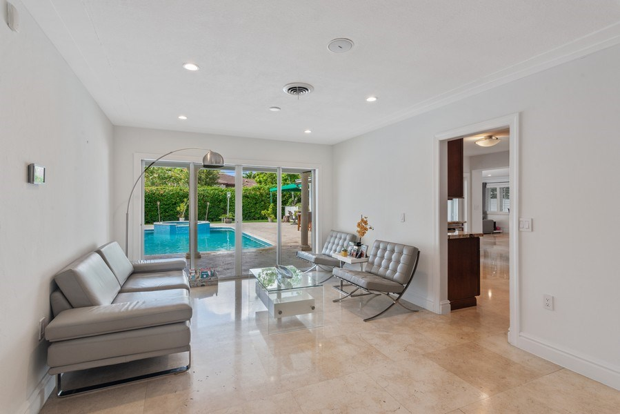 Real Estate Photography - 7670 SW 129th St., Pinecrest, FL, 33156 - Kitchen / Living Room