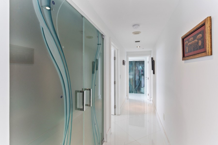 Real Estate Photography - 100 South Birch Road #2404E, Fort Lauderdale, FL, 33316 - Hallway