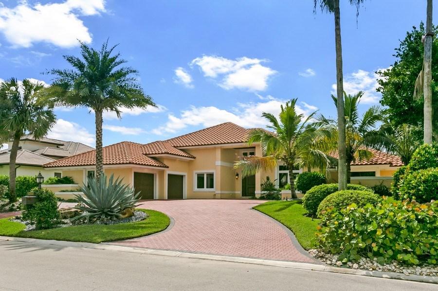 Real Estate Photography - 6840 SE South Marina Way, Stuart, FL, 34996 - Front View