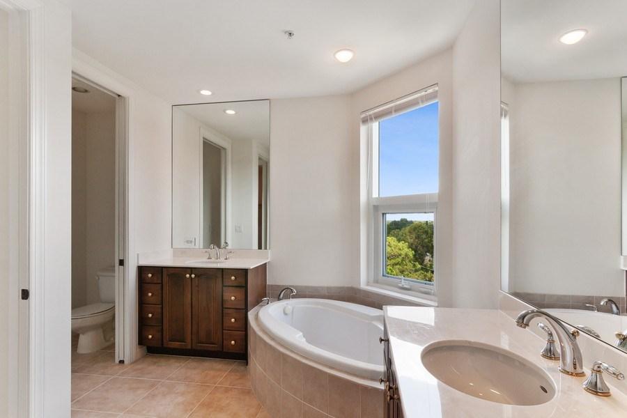 Real Estate Photography - 3603 N. Point Rd. #801 BD6, Osprey, FL, 34229 - 2nd Bathroom