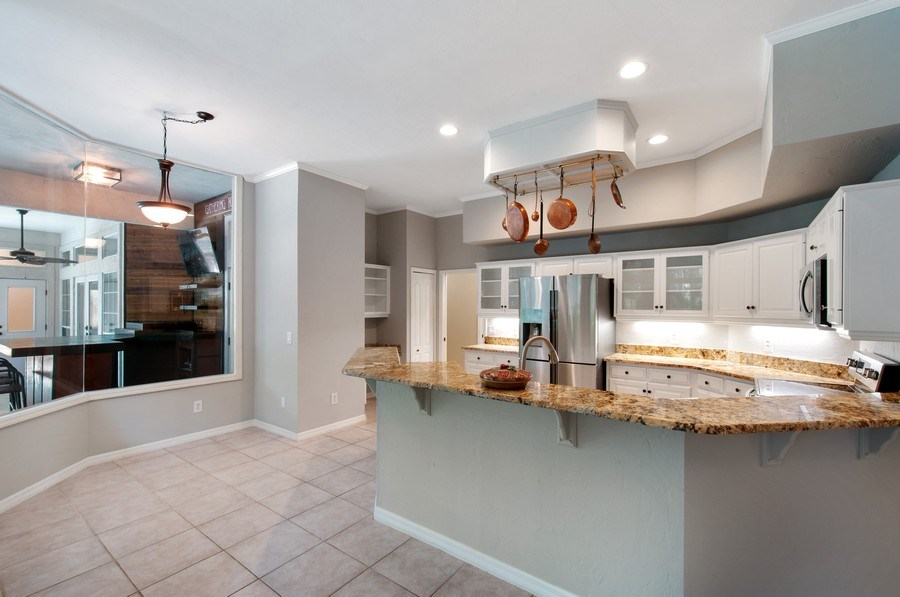 Real Estate Photography - 1917 SW 86th Terrace, Gainesville, FL, 32608 - Kitchen