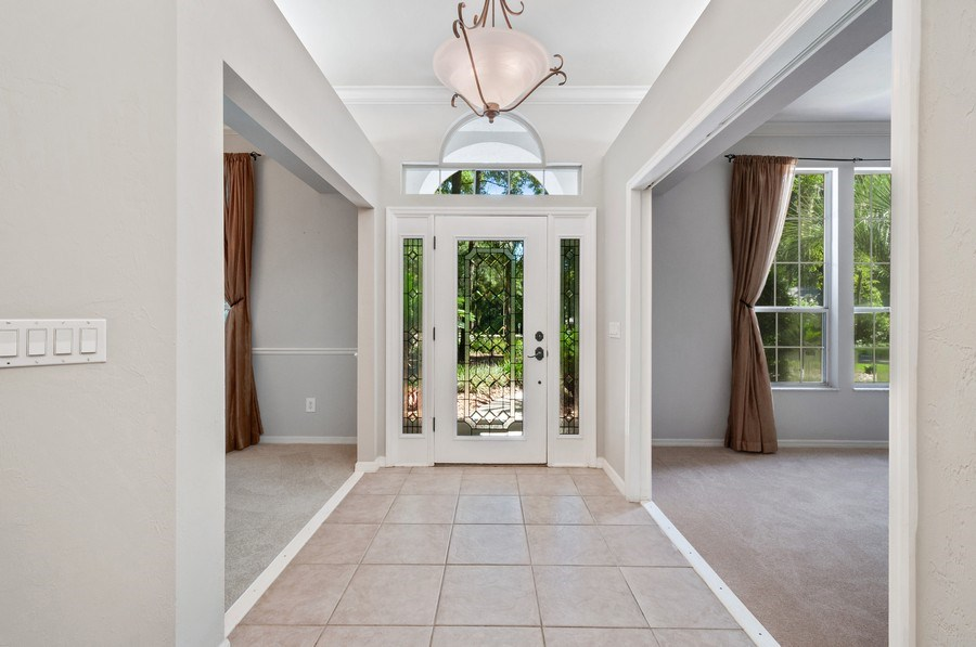 Real Estate Photography - 1917 SW 86th Terrace, Gainesville, FL, 32608 - Foyer