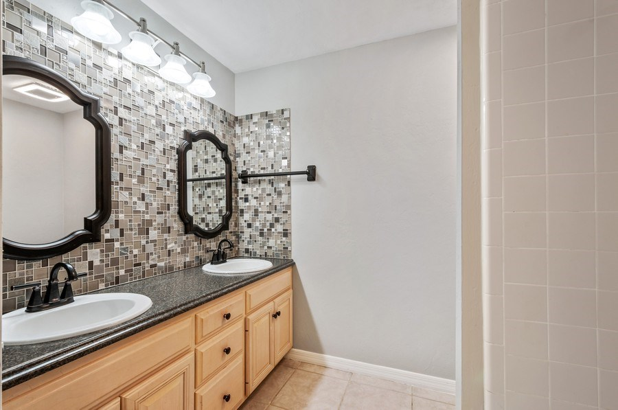 Real Estate Photography - 1917 SW 86th Terrace, Gainesville, FL, 32608 - Bathroom