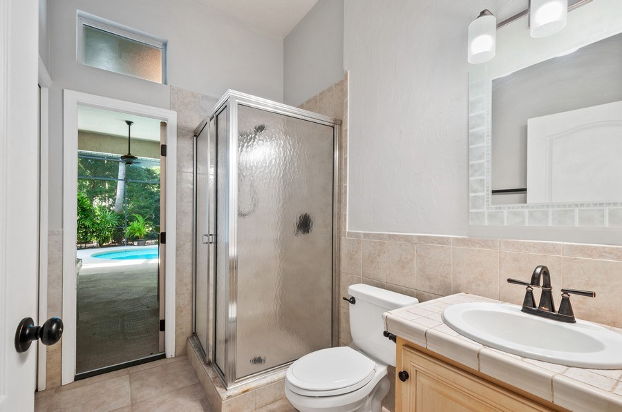 Real Estate Photography - 1917 SW 86th Terrace, Gainesville, FL, 32608 - 2nd Bathroom