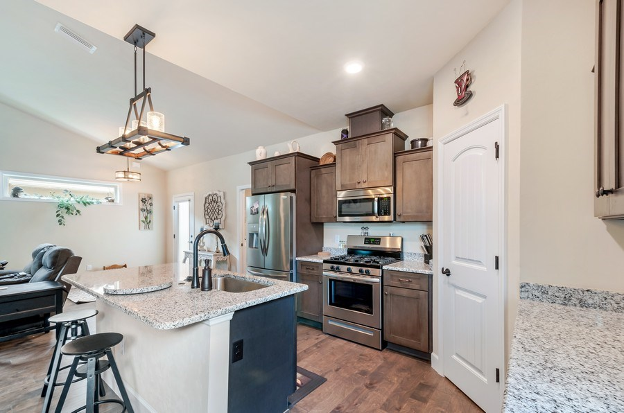 Real Estate Photography - 1789 SW 247th Street, Newberry, FL, 32669 - Kitchen