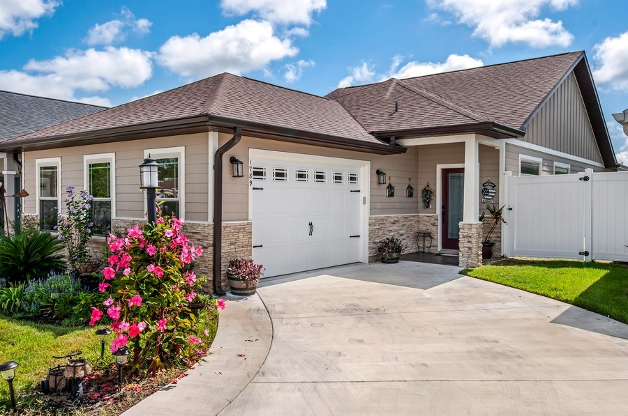 Real Estate Photography - 1789 SW 247th Street, Newberry, FL, 32669 - Front View