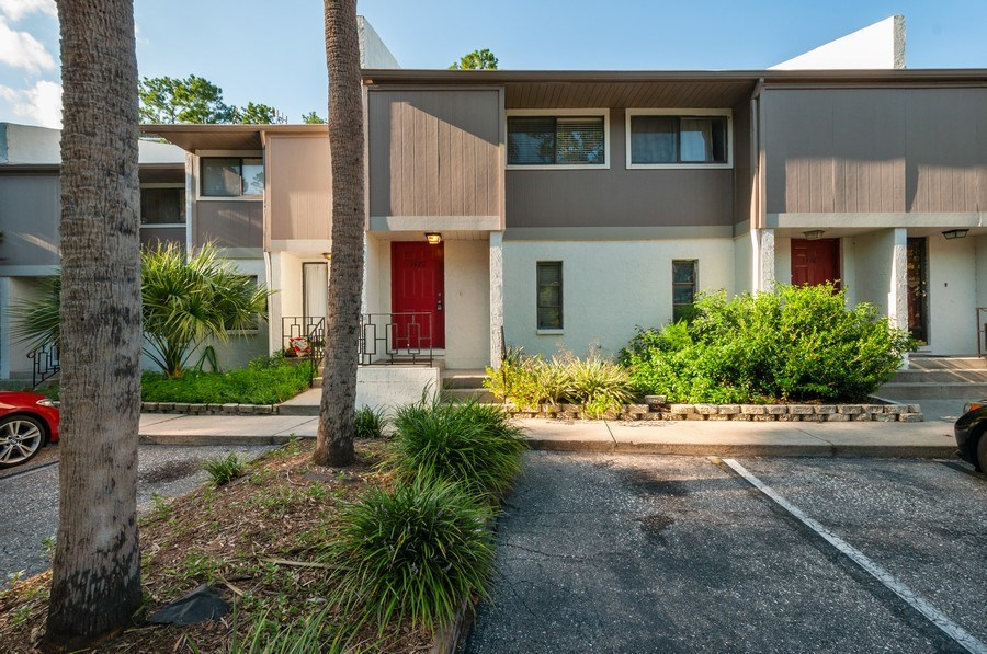 Real Estate Photography - 1420 SW 25th place, Gainesville, FL, 32608 - Front View
